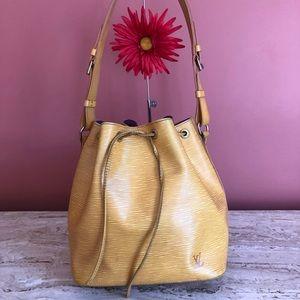 🙏Sold🙏Lv Shoulder Bag Petit Noe Yellows Epi
